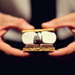 Превратить обручальные кольца в начинку для печенья - весьма оригинальное решение