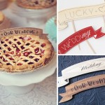 Ягодный свадебный пирог с флажками