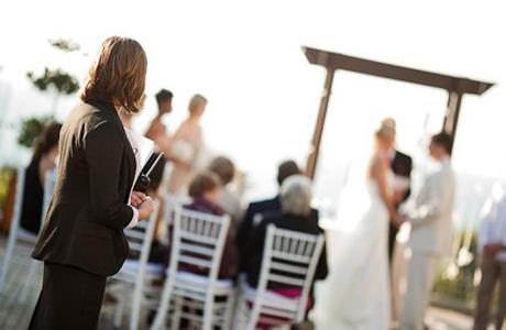 Распорядитель свадьбы в работе