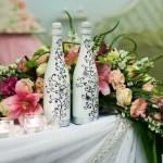 Расписные бутылки могут превратиться в необычный элемент декора
