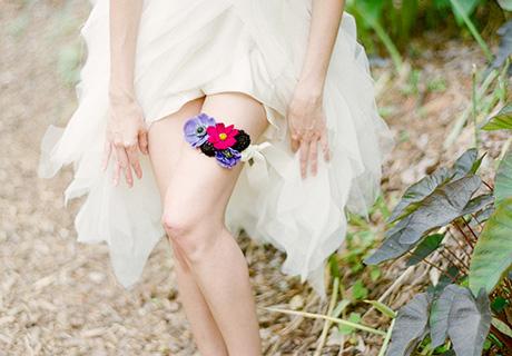 Подвязка невесты из цветов
