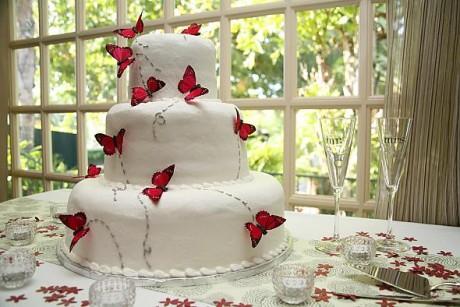 Минимализм в свадебных десертах