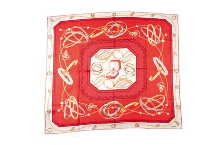 Красный шейный платок от Cartier