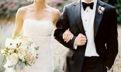 Бутоньерка - уменьшенная копия букета невесты