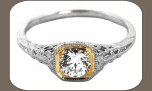 Обручальное кольцо из белого и желтого золота