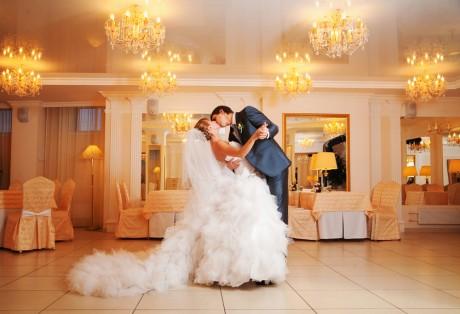 Свадебный танец молодых