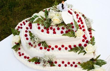 Свадебный торт в день Святого Валентина