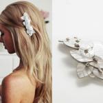 Ты можешь украсить свадебную прическу заколками с обеих  сторон
