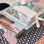 Красивый конверт с бабочками тоже подойдет