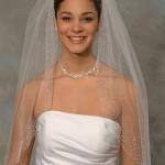 Вышивка маленькими блестками и камушками для нежного образа невесты