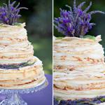 Настоящие цветы удачно украсят свадебный десерт