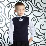 Все та же элегантность стиля наряда и аксессуаров для юного гостя