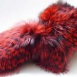 Необычная муфта красного цвета