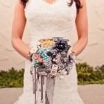 Ниспадающий свадебный букет