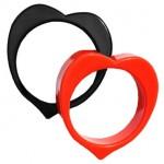 Деревянные браслеты из сердечек