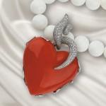 Кулон из жемчуга с сердцем