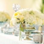 Белое оформление для зимней свадьбы