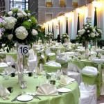 Светлая зелень на столах