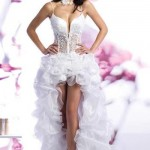 Корсет подчеркивает все прелести фигуры невесты