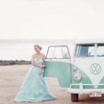 Оригинальный кортеж на свадьбу в голубых тонах