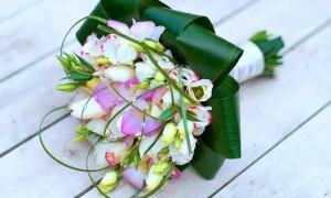 Жемчужины в нежных тюльпанах