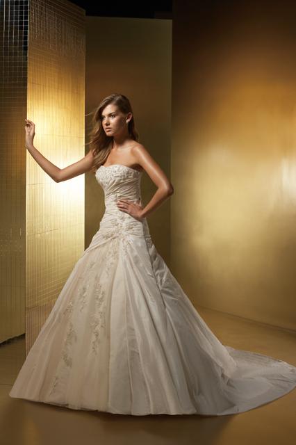 Драпировки юбок на свадебных платьях