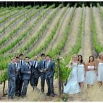 Подружки ни в коем случае не сливаются по расцветкам одежды с цветами платья невесты