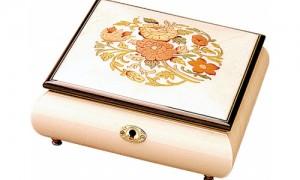 Шкатулка для драгоценностей в стиле барокко