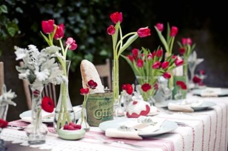 Украшение свадебного стола тюльпанами
