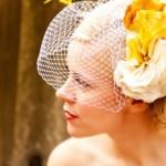 Женственный свадебный аксессуар невесты