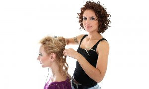 Поможет свадебный стилист или парикмахер