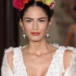 Прическа невесты в стиле Фриды Кало