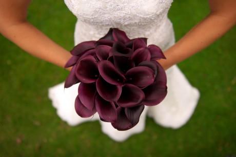 Правильно держать свадебный букет