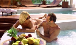 Медовый месяц на жарком курорте