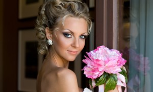 13 причесок без фаты для невесты