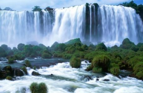 Непременно сыграйте свадьбу у водопада Виктория