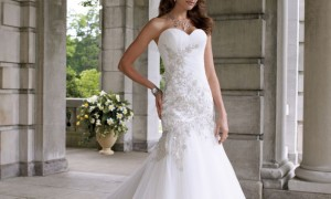 2012-wedding-dress-david-tutera-for-mon-cheri-bridal-gowns-112203__full