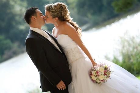 Майский рай на свадьбе