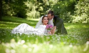 Празднование весенней свадьбы