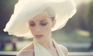 Роскошная свадебная шляпка