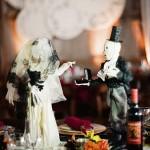 Похоже на свадьбу на Хеллоуин