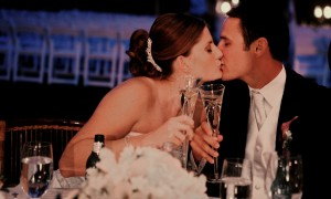 Поздравление молодым на свадьбу от мамы невесты своими словами