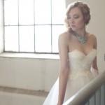 Выбирай для летней свадьбы самое глубокое декольте
