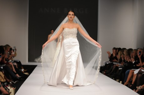 Свадебное платье бизнес-класса