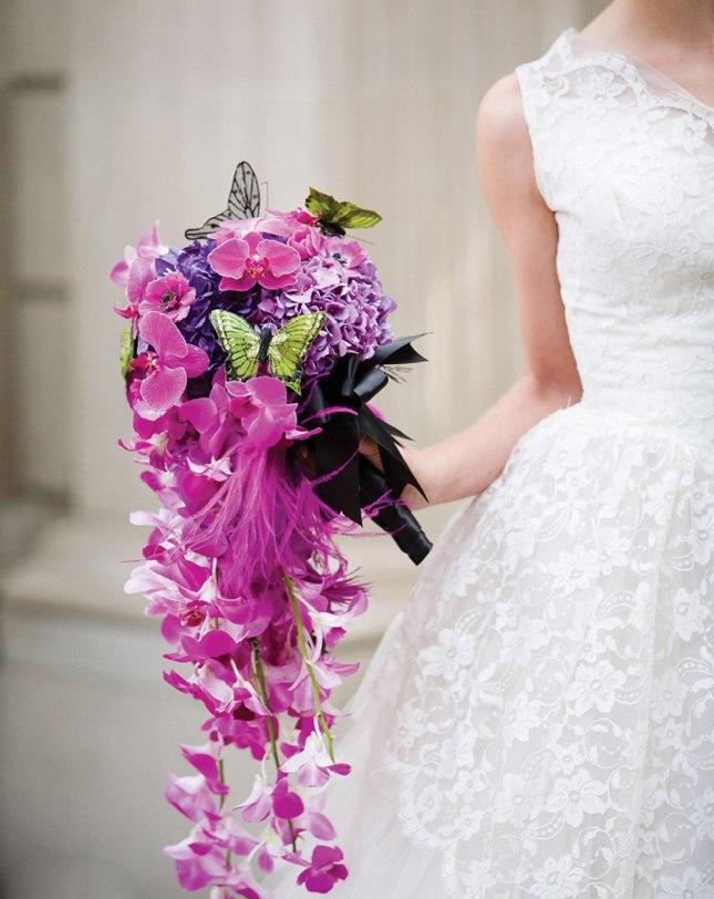 kaskadniy-rozoviy-svadebniy-buket-zakaz-tsvetov-s-dostavkoy-na-dom-moskva