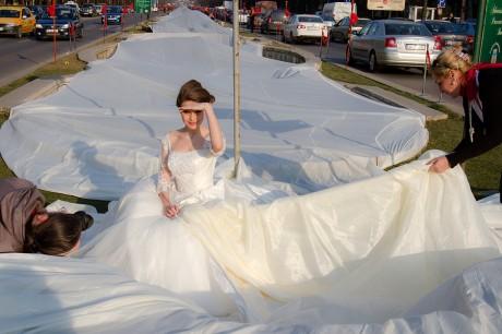 Свадебное платье со шлейфом в 2750 метров