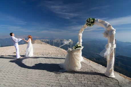 Зачем нужна свадебная арка