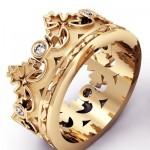Из желтого золота с бриллиантами
