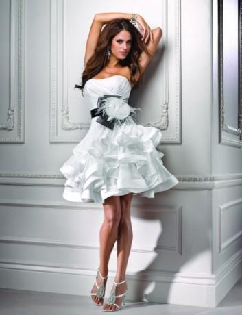 Короткое Необычное Свадебное Платье 107