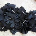 Элегантный черный пояс сделает романтичный образ невесты более оригинальным и соблазнительным